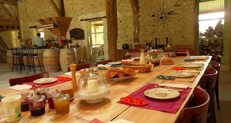 La Ferme des Isles, café da manha na fazenda